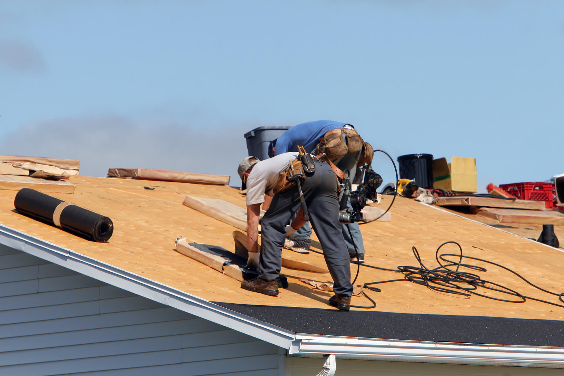 5 Factors to Consider When Selecting a New Roof